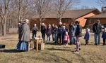crowd gathered outside Rock Springs Nature Center learning about Maple Syrup
